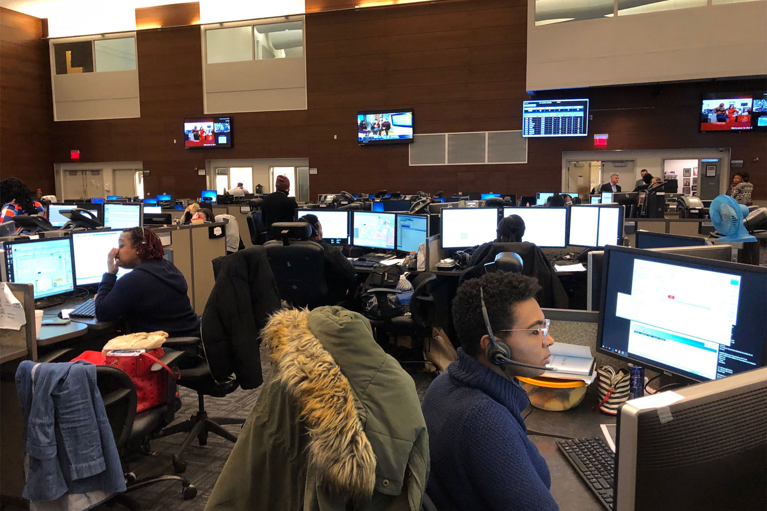 Inside the D.C. Office of Unified Communications, which installed the RapidSOS system in recent months. (WTOP/Kristi King)