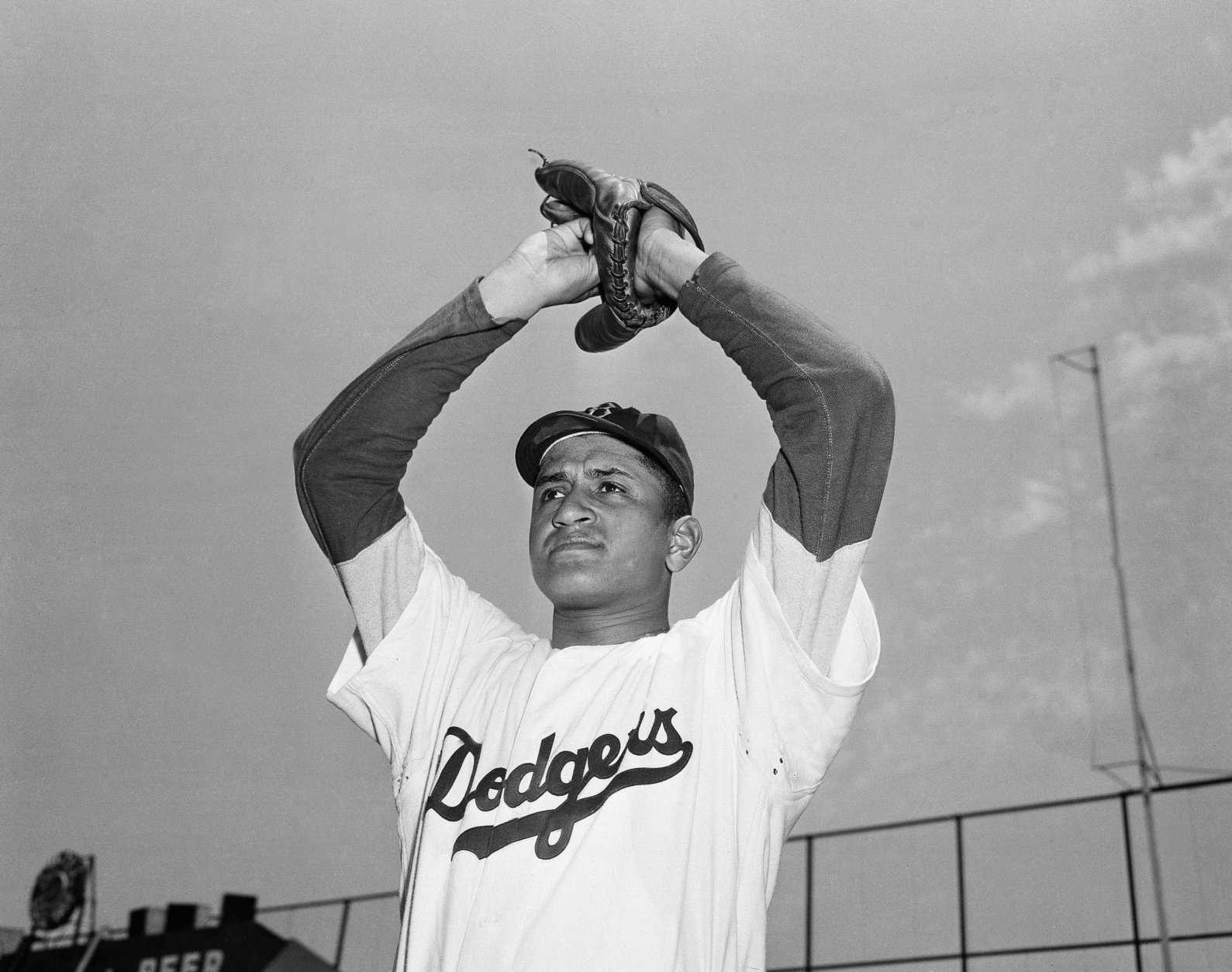 Brooklyn Dodgers pitcher Don Newcombe is shown in New York, June 6, 1949.  (AP Photo/Harry Harris)