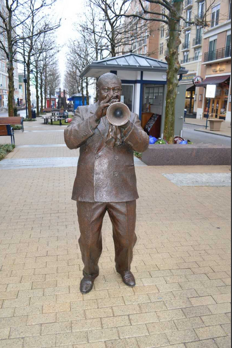 Also on display is Ivan Schwartz's statue of Louis Armstrong. (Courtesy National Harbor)