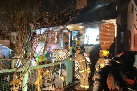 Woman rescued from Silver Spring house fire