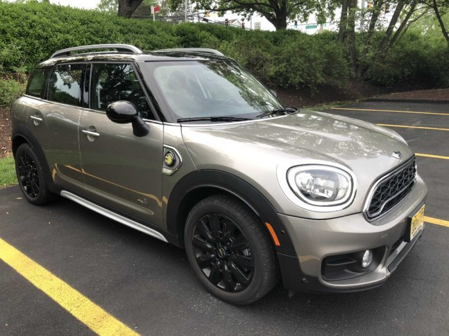 Car Review Minis Biggest Vehicle The Countryman Gets All Charged