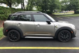 Side view of the S E Countryman ALL4. The title is longer than the car. (WTOP/Mike Parris)
