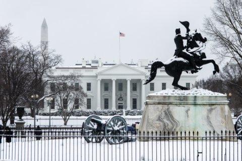 PHOTOS: Snow snarls DC area