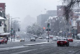A view southbound on Connecticut Avenue toward Dupont Circle. The Washington Monument would normally be visible in the distance from this spot. (WTOP/Alejandro Alvarez)