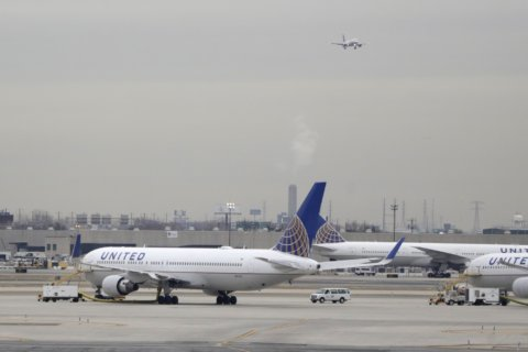 United courts the well-heeled with more premium seats