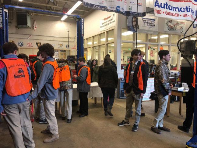 Mongtomery Co. students refurbish used cars to raise money