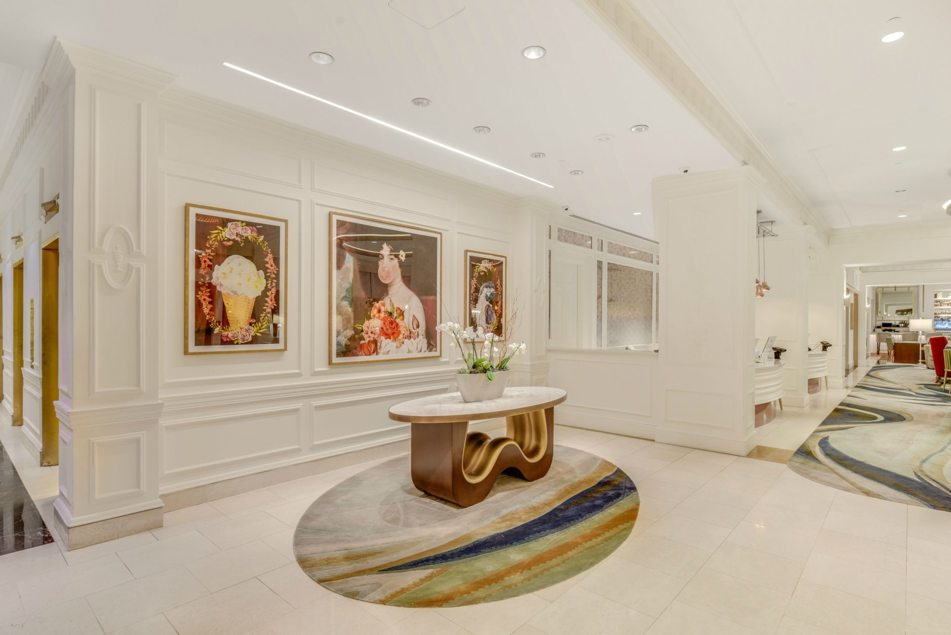 Interior designer The Gettys Group included some subtile nods to Dolly Madison in the design, including a feature wall that mirrors the crackling of a painting. (Courtesy Hilton Hotels)
