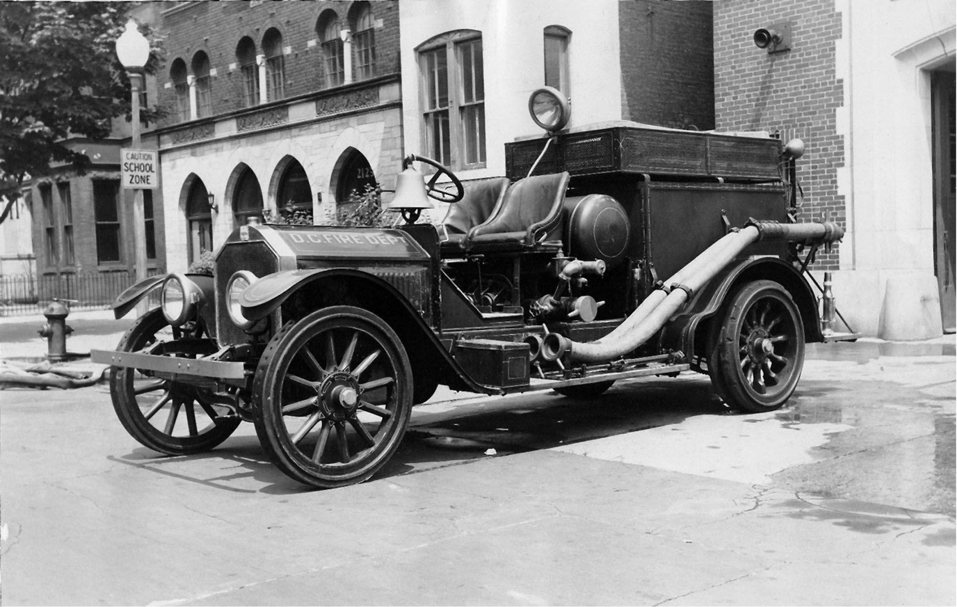 A 1915 fire truck assigned to Engine 23 (Courtesy DC Fire and EMS Museum)