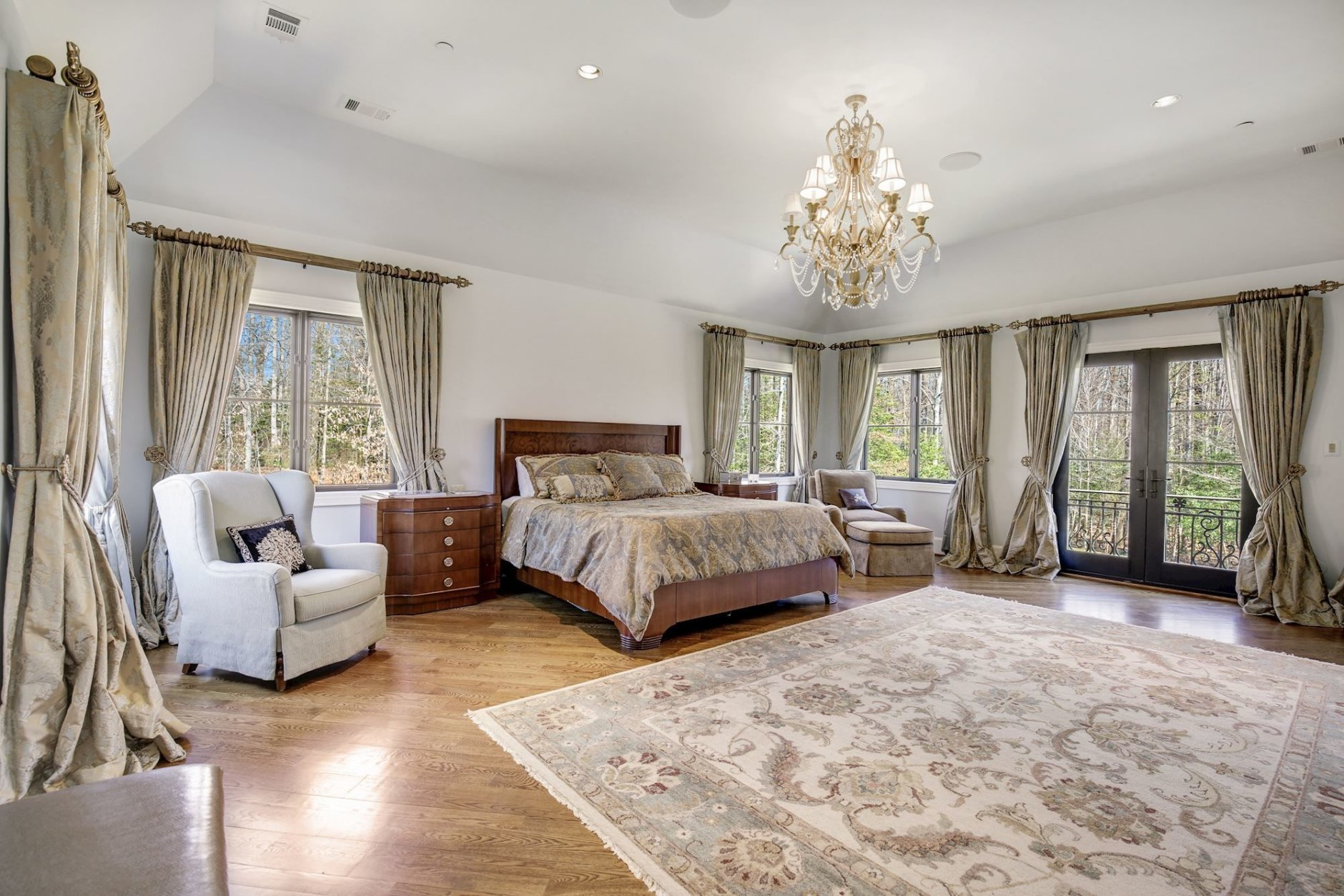 There's plenty of space in the bedrooms. (Courtesy Washington Fine Properties)