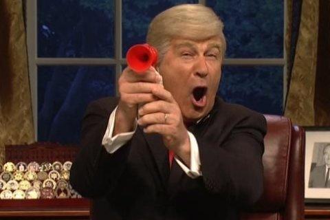 'SNL' has Baldwin's Trump and De Niro's Mueller summarize the Mueller report