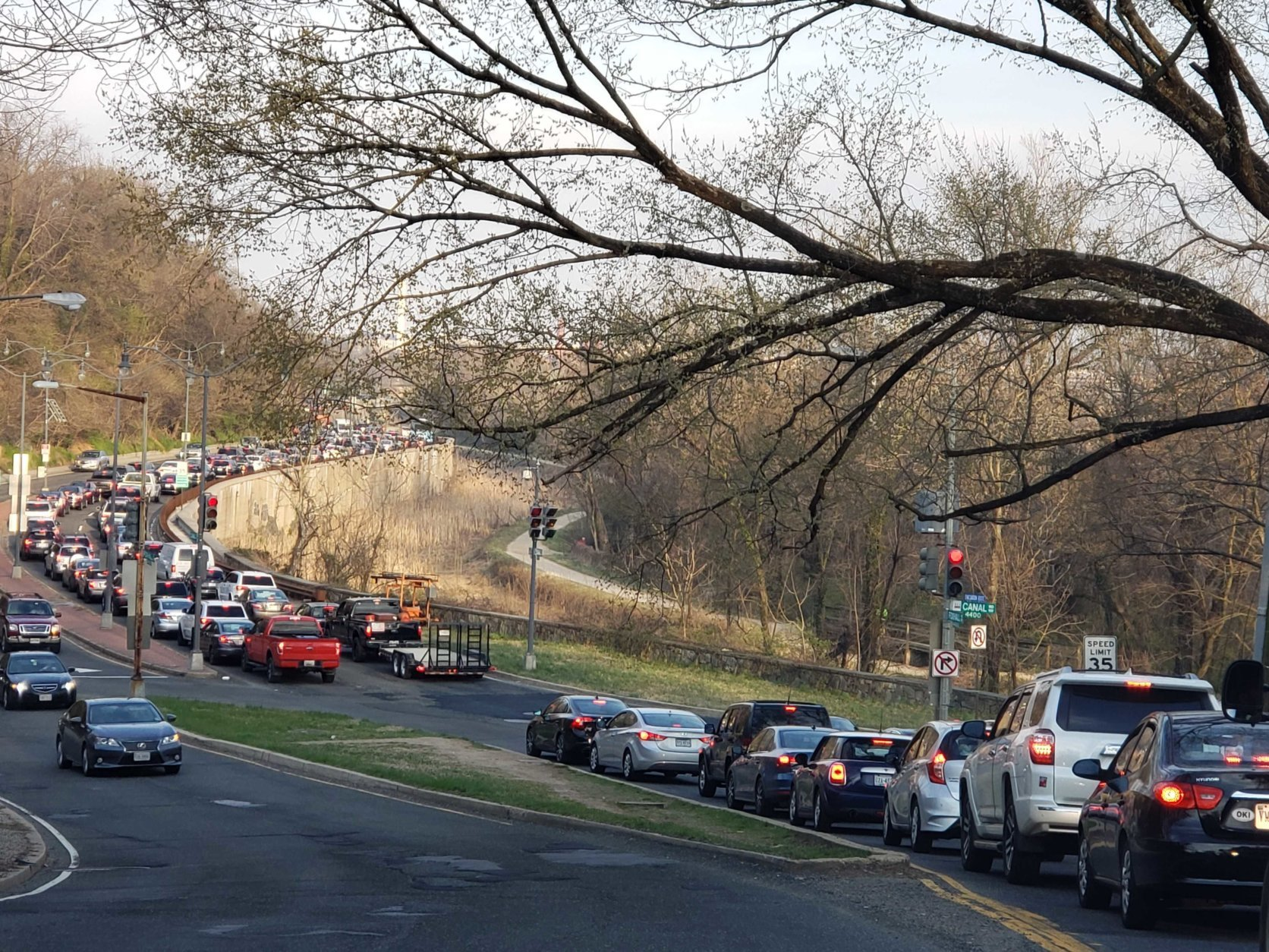 The Inner Loop blockage affected Foxhall Road in D.C. as well Thursday evening. (WTOP/Colleen Kelleher)