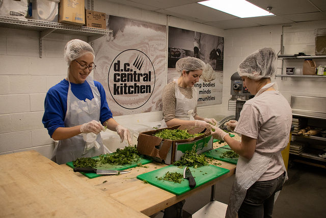 District Kitchen Dc | Dc Central Kitchen Takes Loss In New Contract To Feed Homeless Wtop