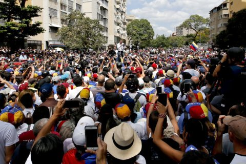 Maduro and Guaido hold rival rallies amid huge blackout in Venezuela