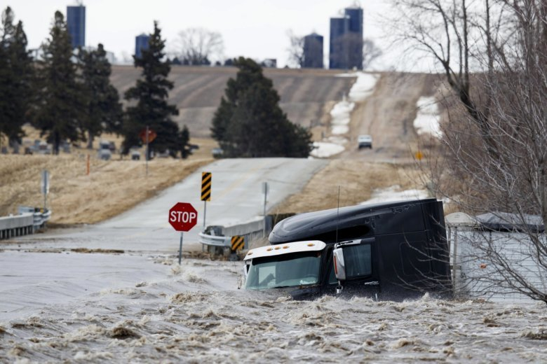 Late Winter Storm Moves To Upper Midwest Flooding Remains