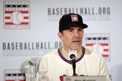 Mike Mussina's HOF visit a reminder of his excellence