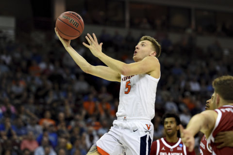 Top-seed Virginia tops Oklahoma 63-51, advances to Sweet 16