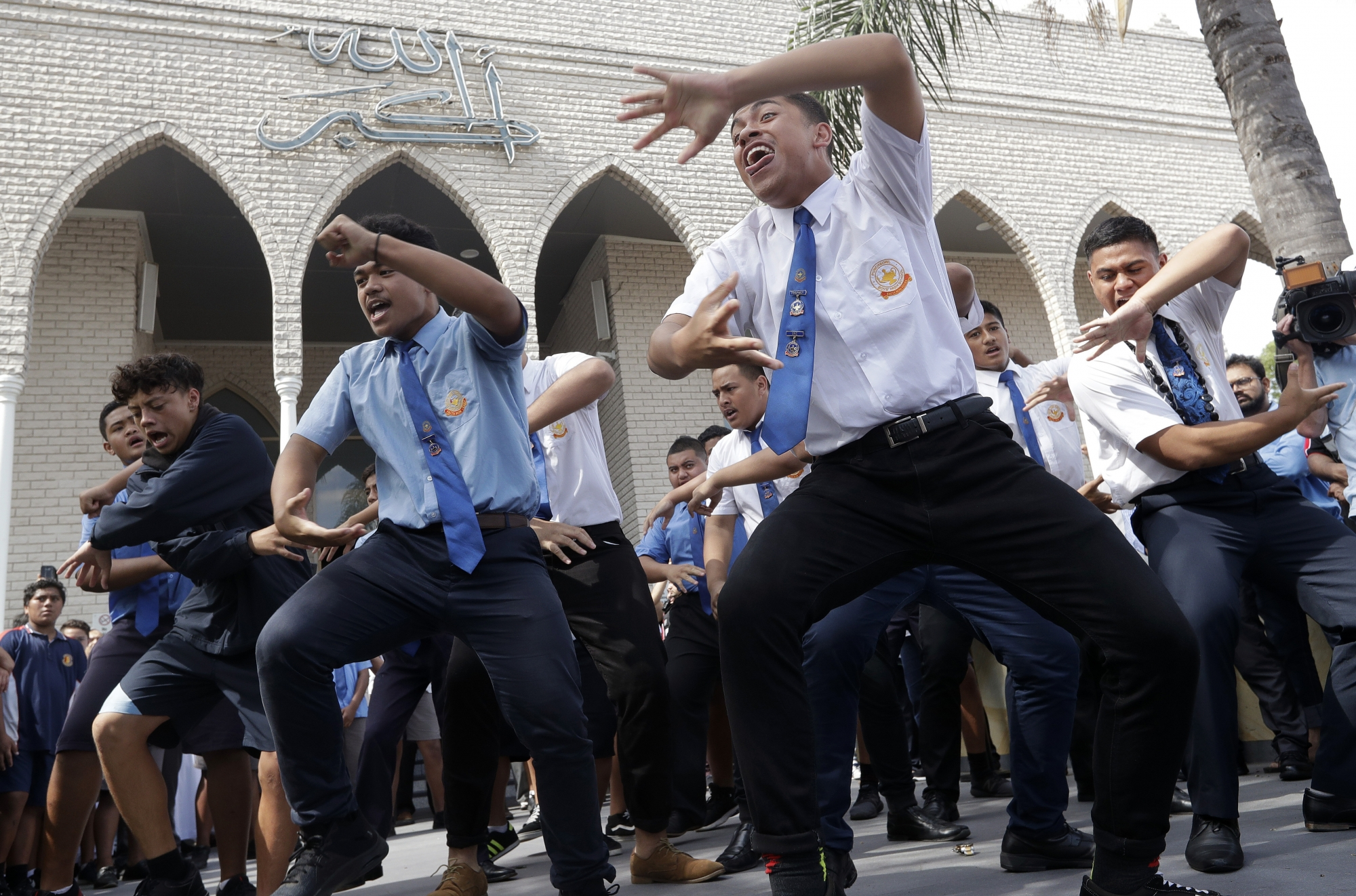 New Zealand Mosque Shooting Gallery: 'Rise Up!' NZ Students Heal With Haka After Mosque Attacks