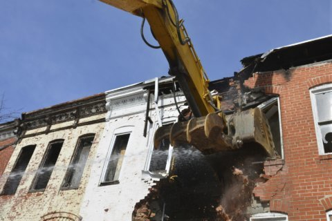 Baltimore starts demolition of block in sea of vacant houses