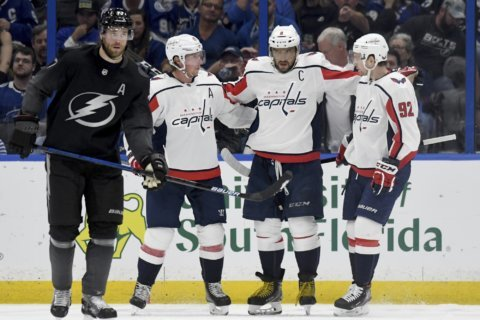 In 1st game in Tampa since cup win, Caps fall to Lightning 6-3