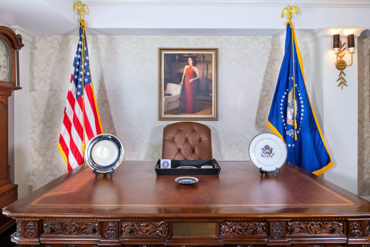 Hamilton Hotel goes 'Veep' with Selina Meyer Presidential Suite (photos)