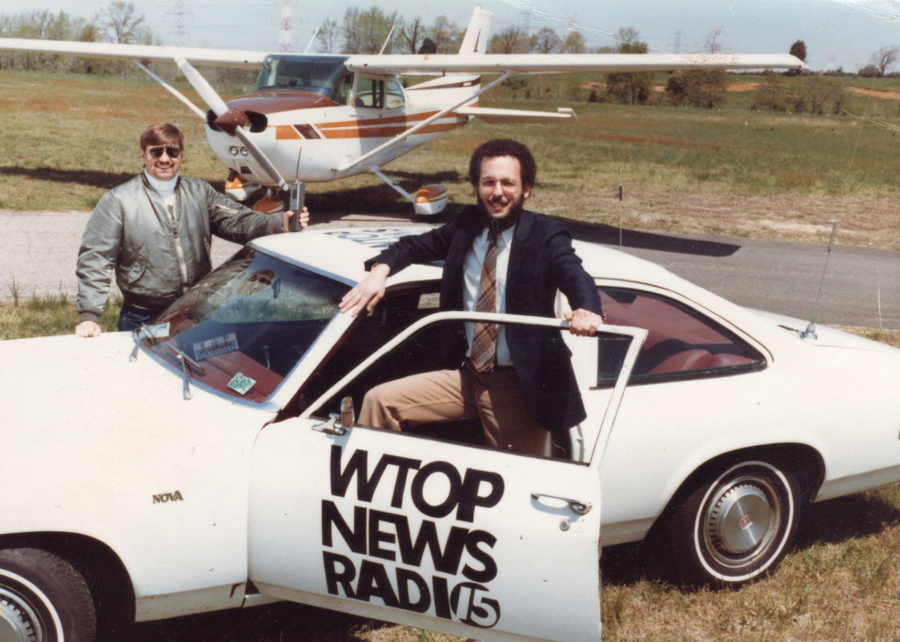 WTOP's Bob Marbourg (left) and Dave Statter covered traffic during the early '80s. Back then, it meant taking to the skies. (Courtesy Dave Statter)