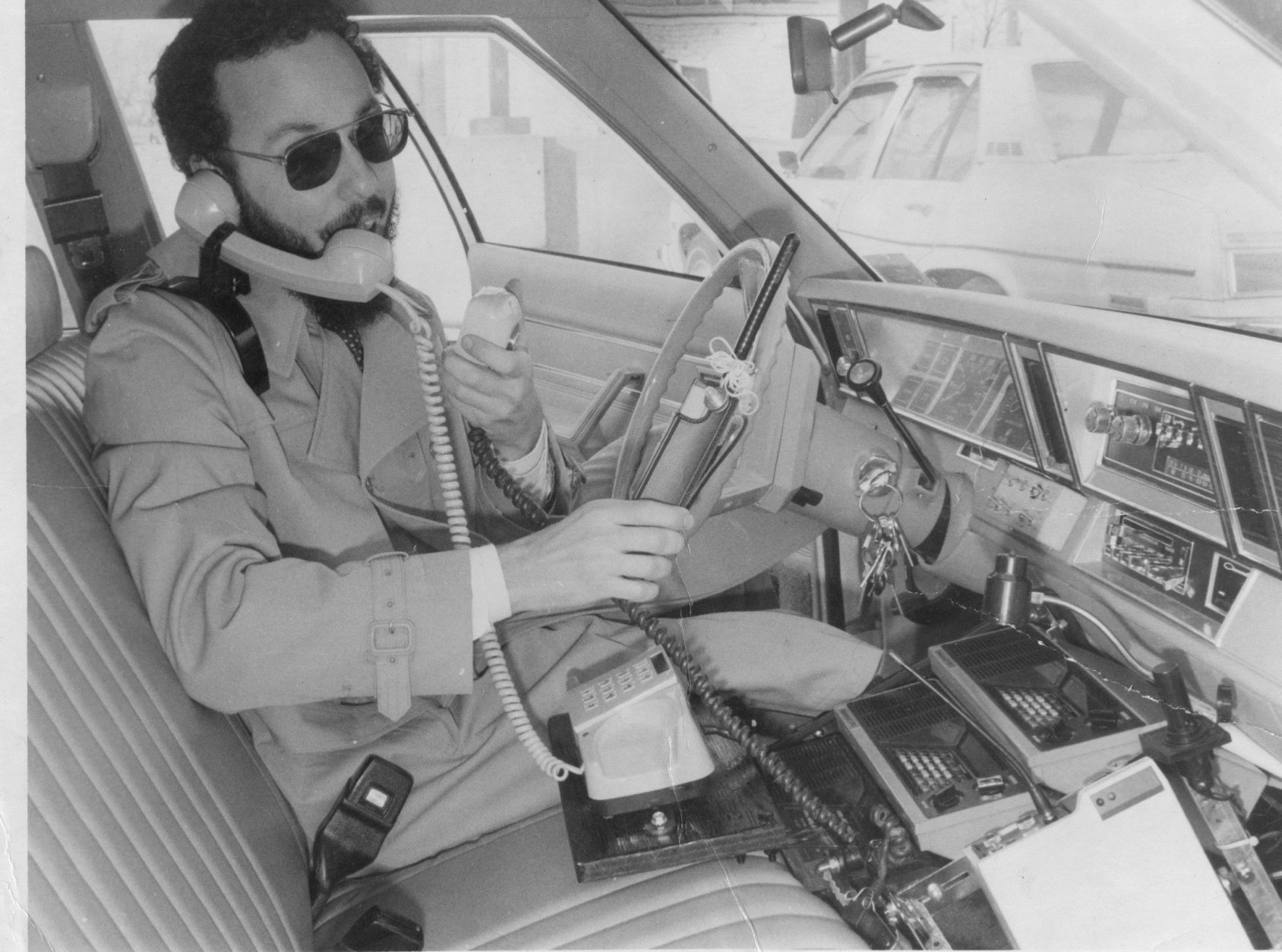 In his mobile traffic unit, Statter kept multiple police scanners going in the car to alert him to any traffic hotspots. (Courtesy Dave Statter)