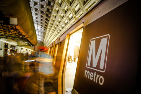 Water main break behind rush-hour Orange Line delays, Metro says