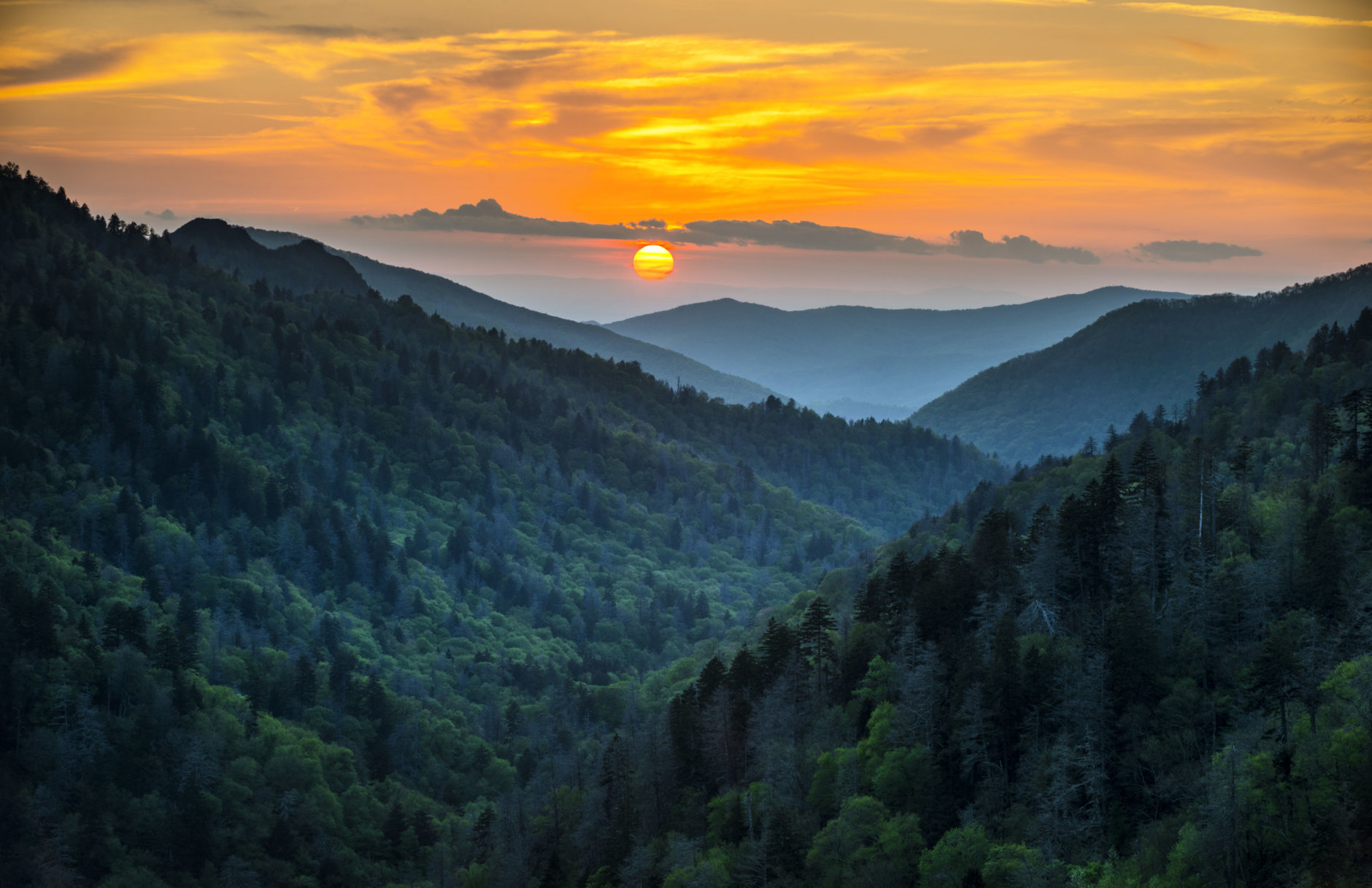 Gatlinburg TN Great Smoky Mountains National Park Scenic Sunset Landscape vacation getaway destination in the Smokies (Getty Images/iStockphoto/WerksMedia)