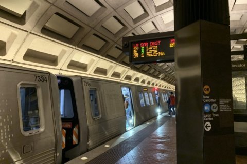 New Rosslyn station, tunnel and train turnarounds possible under new Metro study