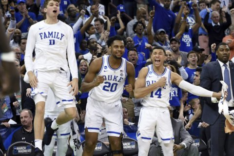 Upset Special? NCAA favorites lead the way into Sweet 16