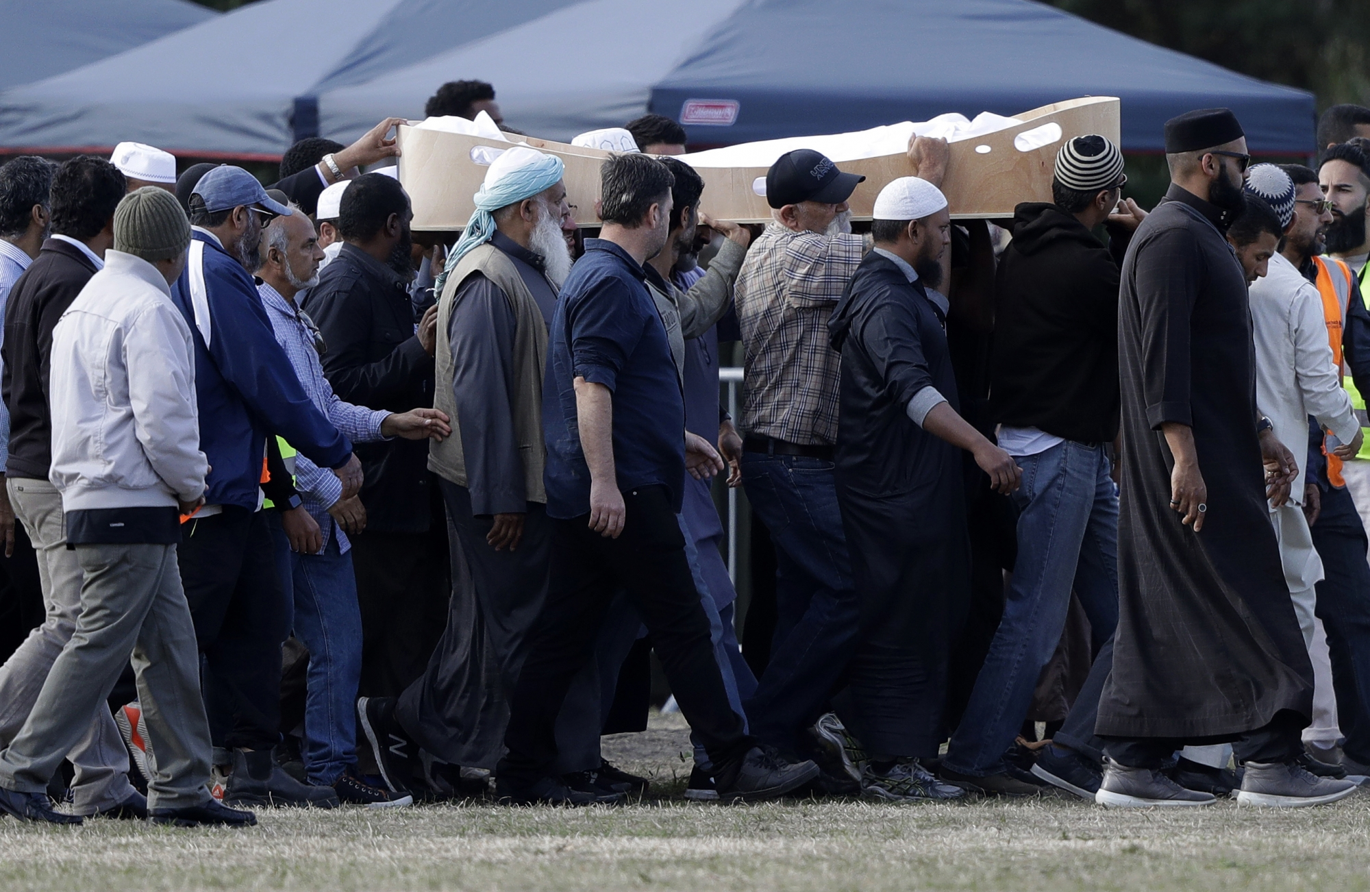 Masjid New Zealand Photo: The Latest: Erdogan Says Mosque Gunman No Different From