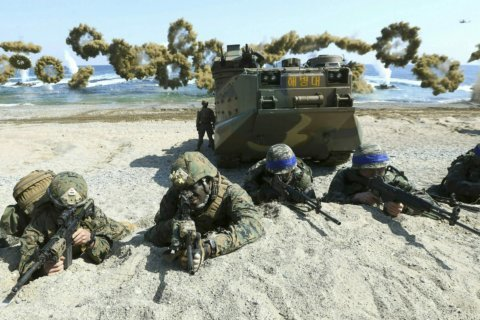 US, South Korea end spring military drills to back diplomacy