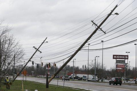Officials: Tornado hits Kentucky, leaving damage, injury