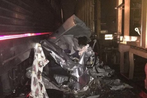 Car stuck on Fauquier Co. train tracks struck by 2 trains