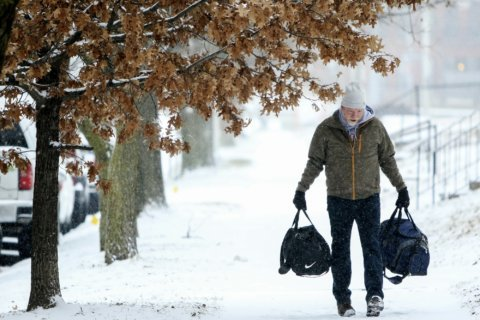 Northeast states prepare for overnight snowstorm