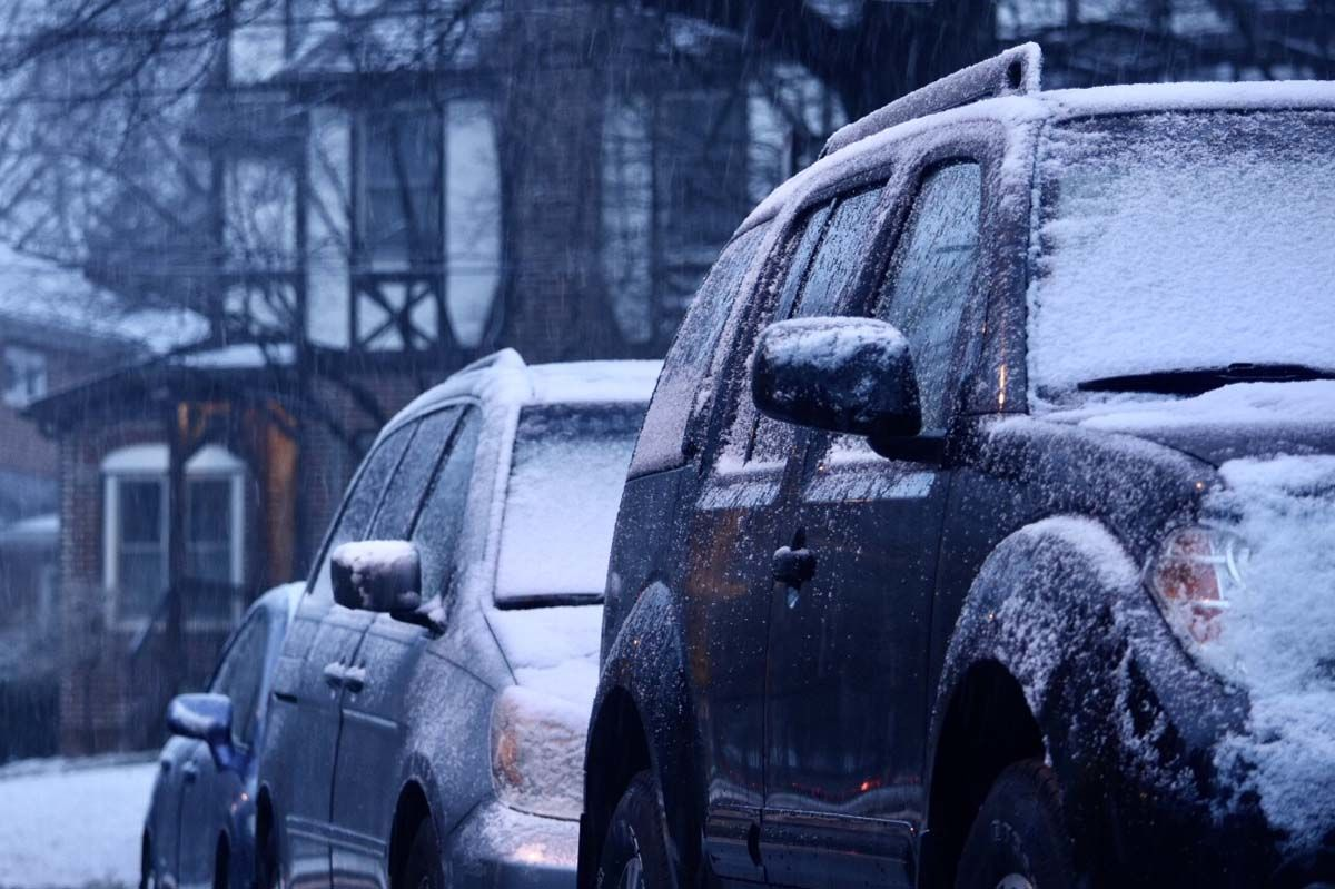 A light snow coats car in Northwest D.C. on Friday, March 8, 2019. (WTOP/Dave Dildine)