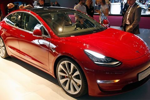 Tesla Model 3 will come standard with autopilot, online sales to stop