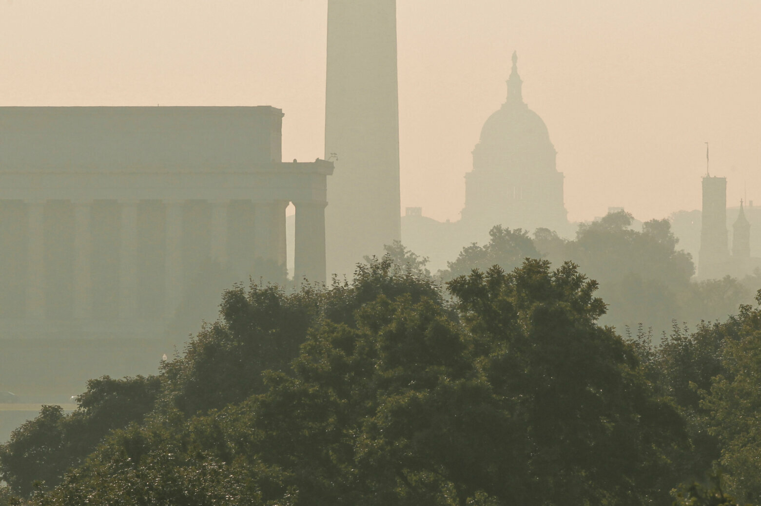 Sunny respite for DC area Wednesday before storms...