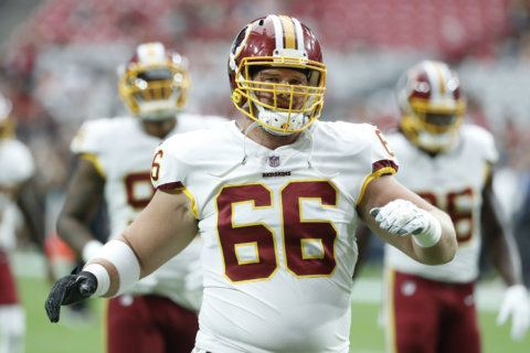 Backup offensive lineman Tony Bergstrom stays with Redskins