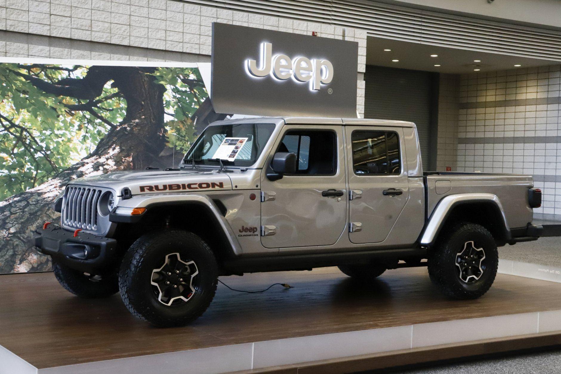 Edmunds compares Jeep Gladiator with Colorado, Tacoma | WTOP
