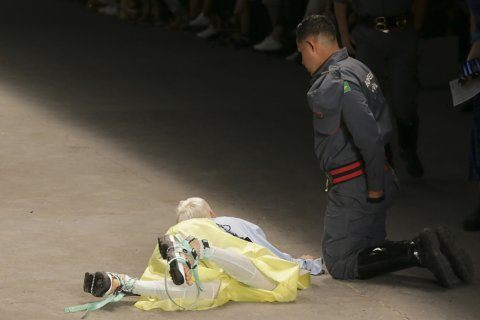 Model in Sao Paulo dies after taking ill on catwalk