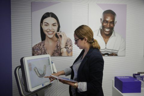 CVS moves into dental care with teeth-straightening service
