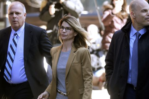 Loughlin, Giannulli plead not guilty in college bribery scam