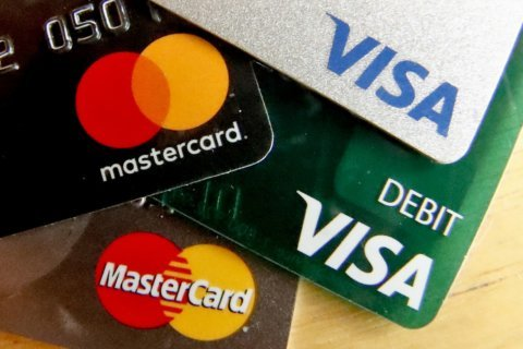 8 ways to use credit cards to stay on budget
