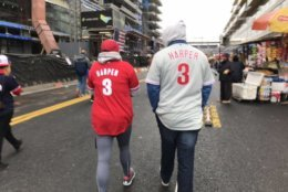 Philly fans came out to Nats Park clad in fresh new Harper jerseys Tuesday — because schadenfreude is a heck of a drug. (WTOP/Michelle Basch)