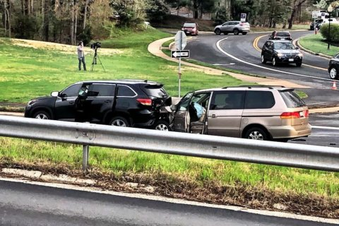 US 50 crash in Fairfax turns fatal; lanes reopen
