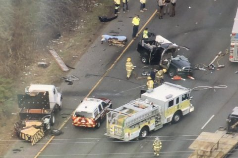 2-truck collision leaves 1 injured on Outer Loop