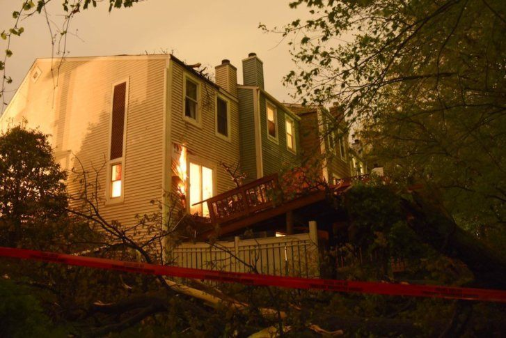Westlake Legal Group D4kPO1nWkAE7RYE-727x485 Tornado causes damage near Reston, Va. Weather News Weather Virginia tornado The National Weather Service storm severe weather Local News Fairfax County, VA News damage