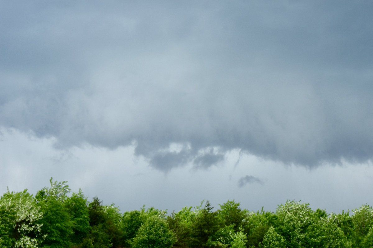 Small, pseudo funnels were dangling beneath the updraft of the storm Friday afternoon as it passed through Anne Arundel County. (WTOP/Dave Dildine)