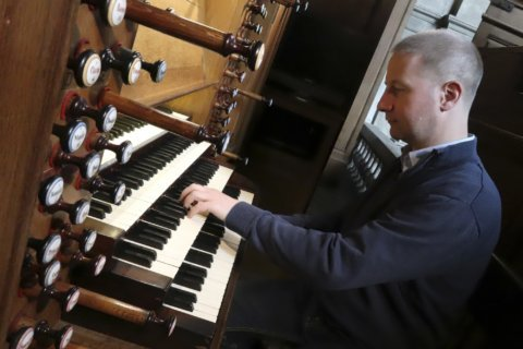 WATCH: Notre Dame organist performs at DC basilica benefit concert